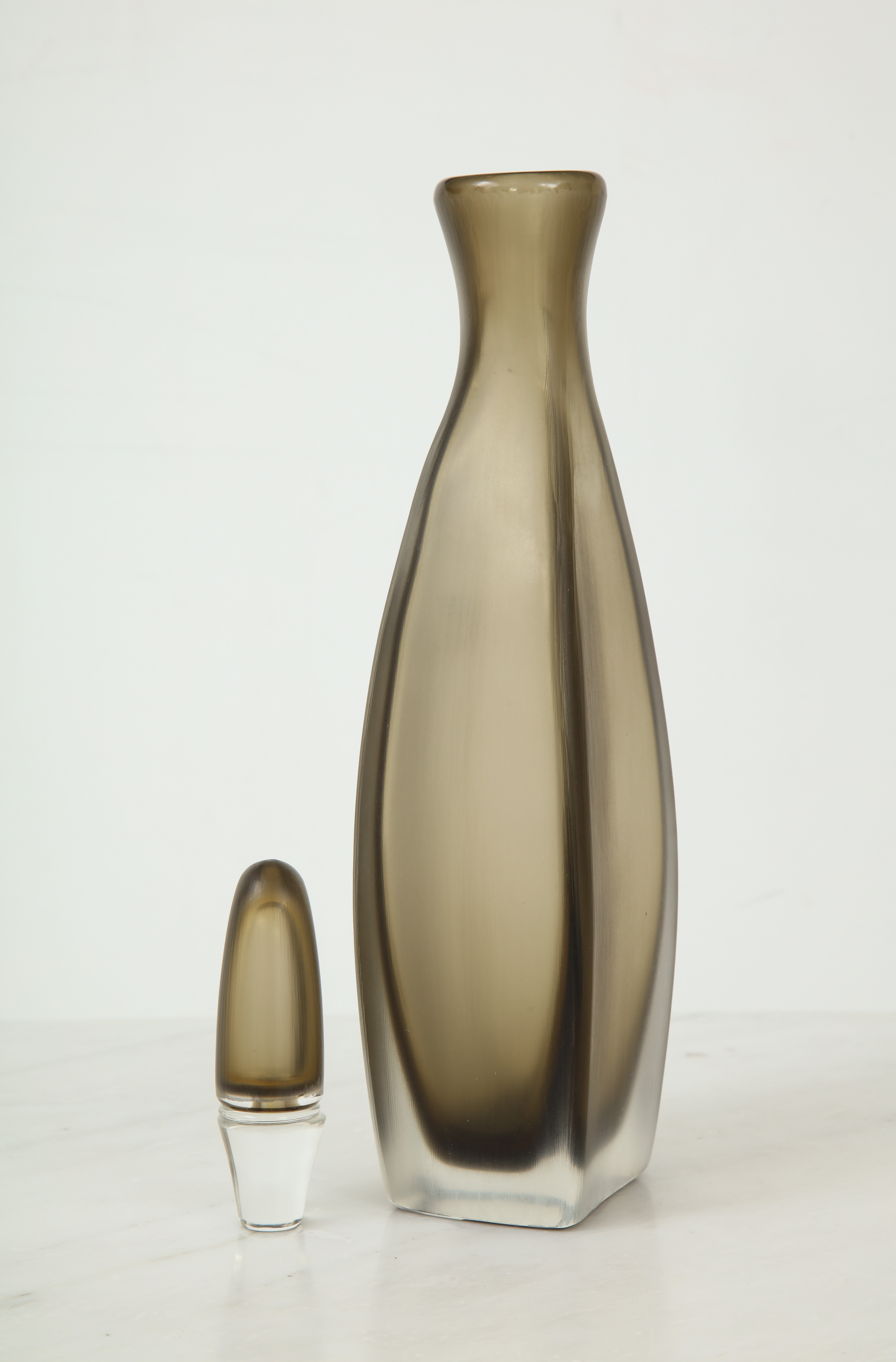 VEN604-5 by    soyun k.